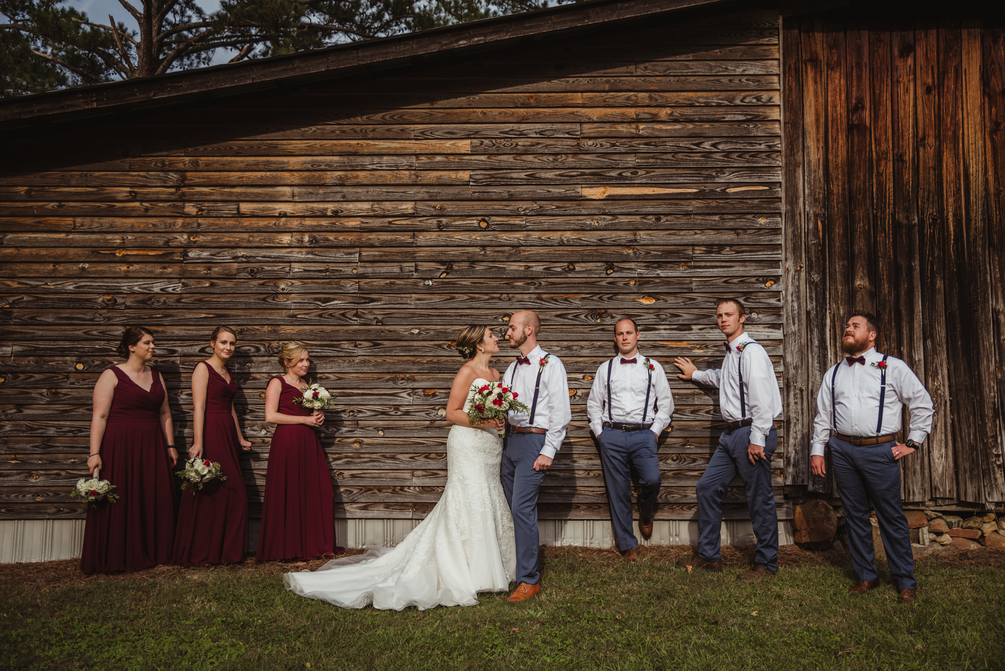 Raleigh-wedding-photographer-bridal-party-barn-cedar-grove-acres-rose-trail-images.jpg