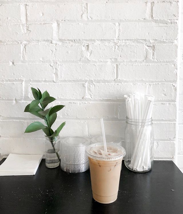 Road trip essentials: coffee + more coffee 🌿