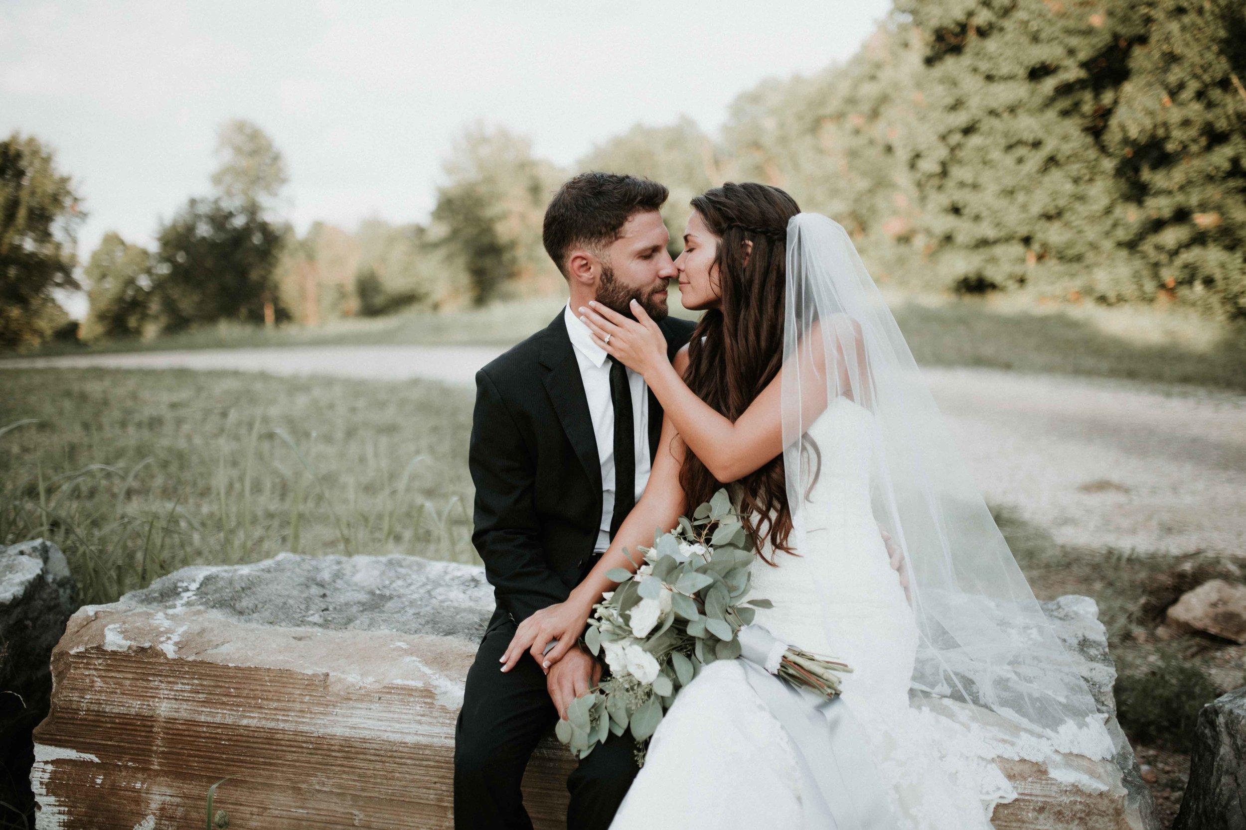 Northwest Arkansas Destination Wedding Photographer-2.jpg