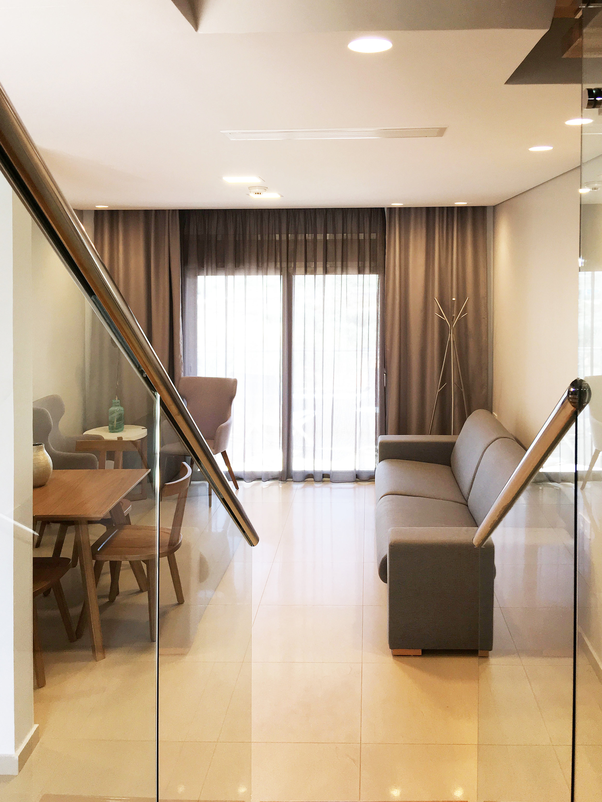 R112 - stairs to living room.jpg