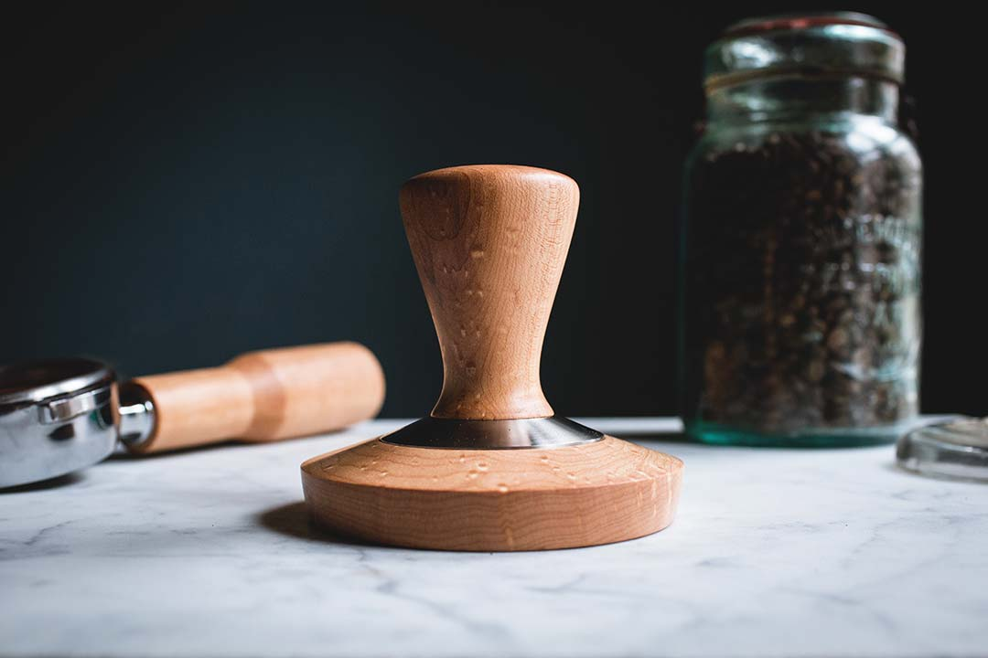 maple espresso tamper & holder