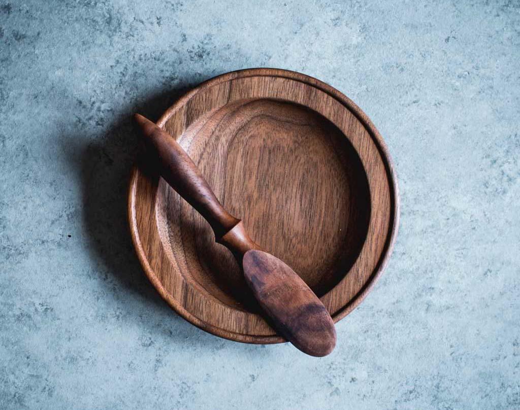 walnut plate & spreader