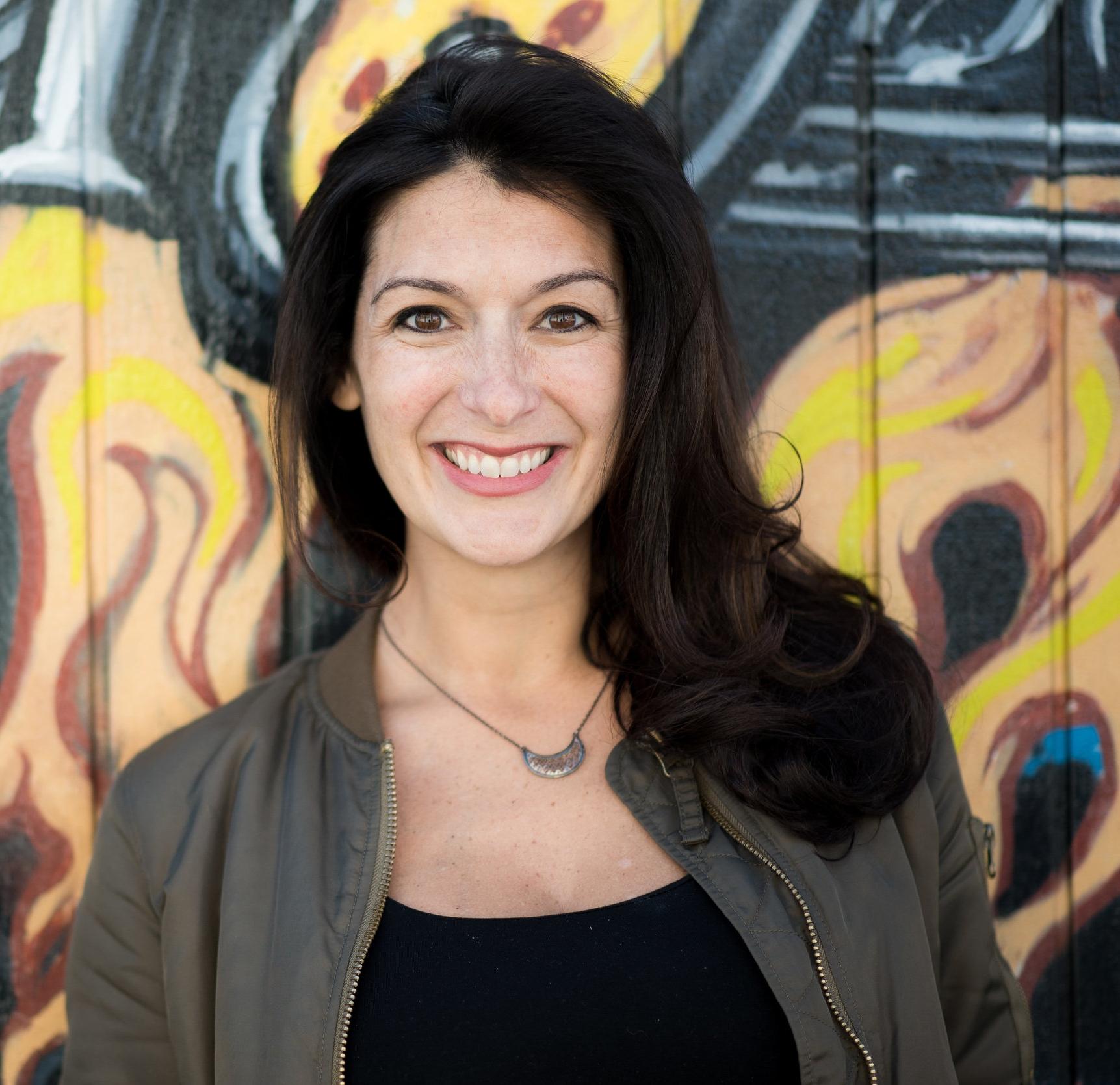 Suzanne-happy-hour-headshot-Denver004.jpg