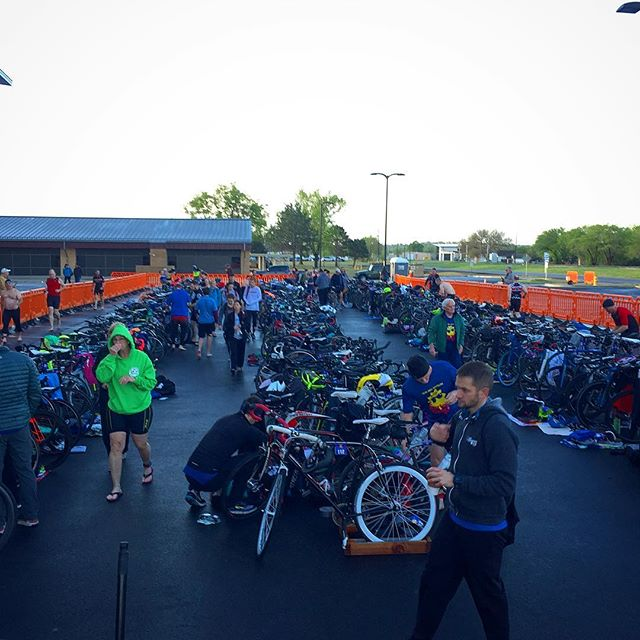 Making sure all the bikes are safe and ready to roll here at #springfevertriathlon! @rwtulsa @tulsaareatriathletes