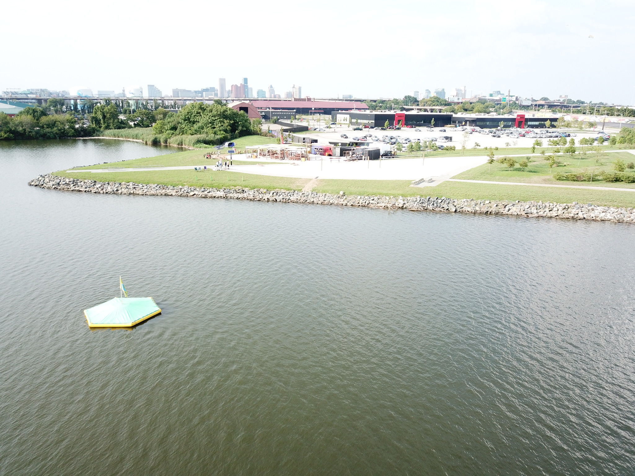 Hit biodegradable golf balls at a technology packed floating target at South Point! Located in Port Covington, Maryland. Our waterfront driving ranges are great for corporate events, weddings, happy hours, and celebrations.