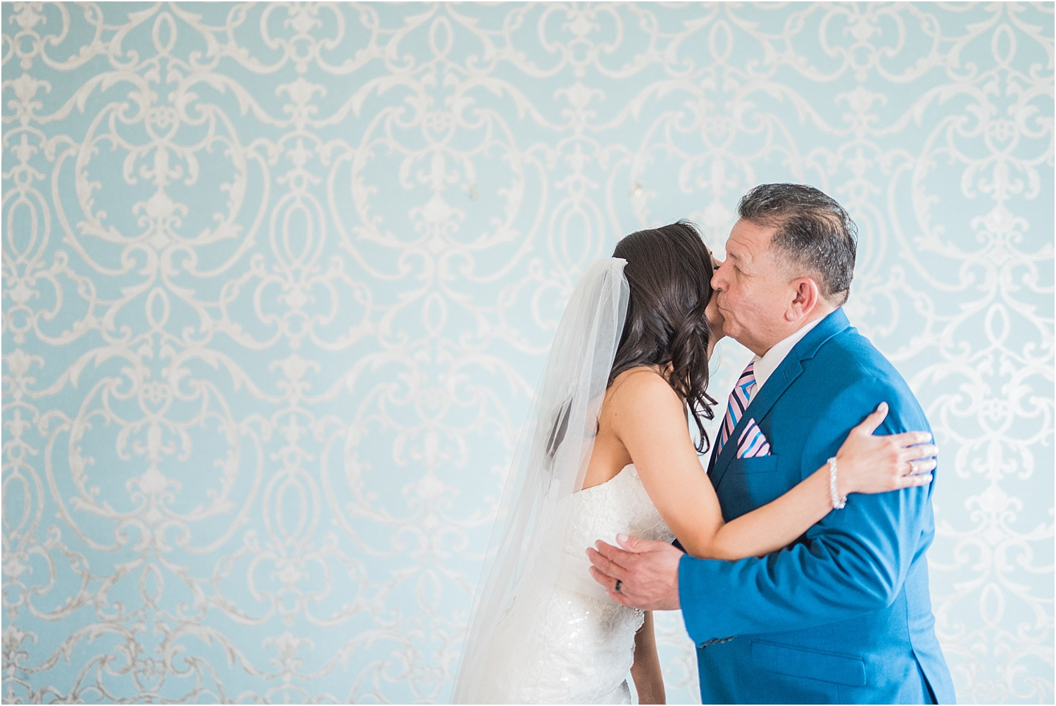 bride and dad first look reactions