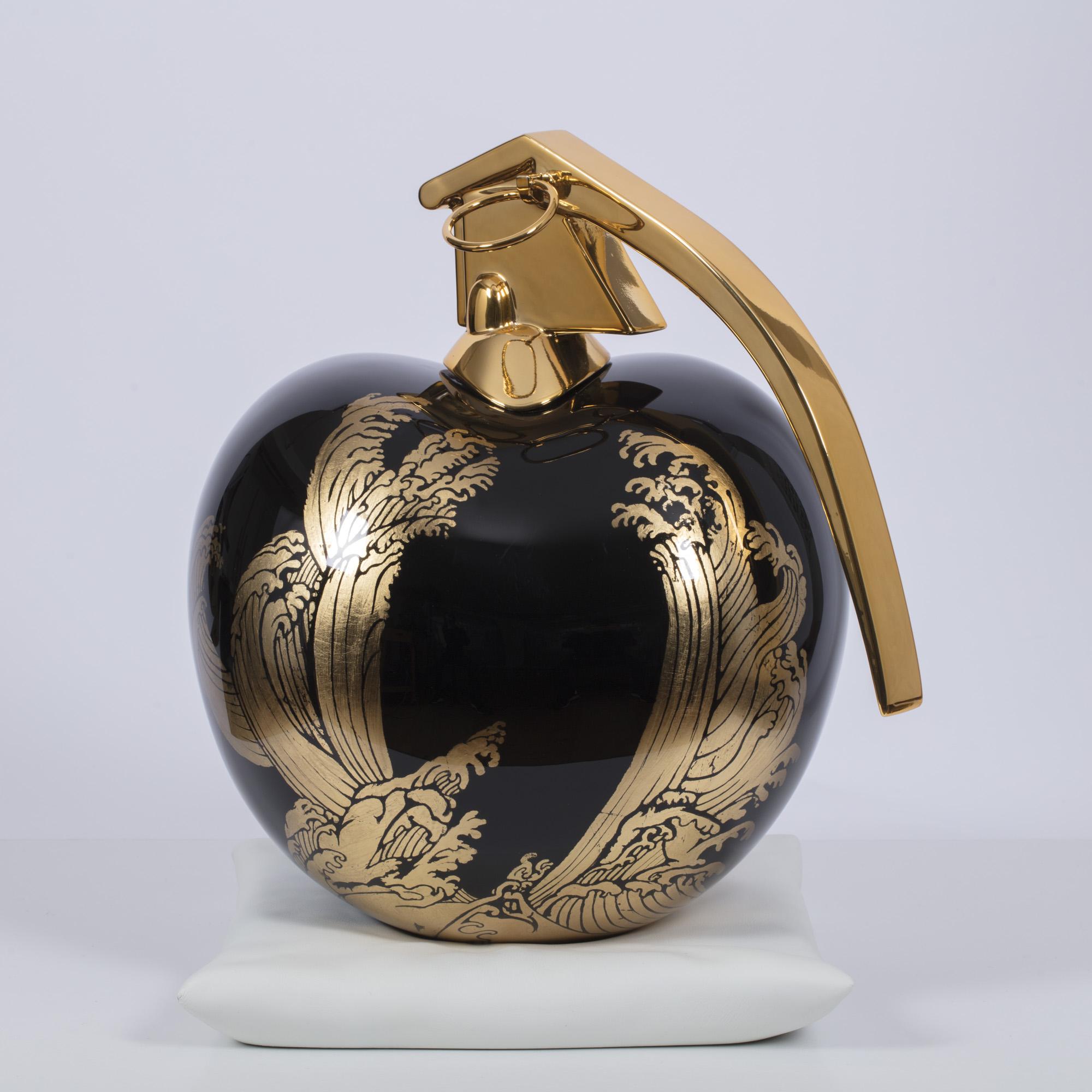 Apollon - Résine, cuir et chrome 35 x 30 cm
