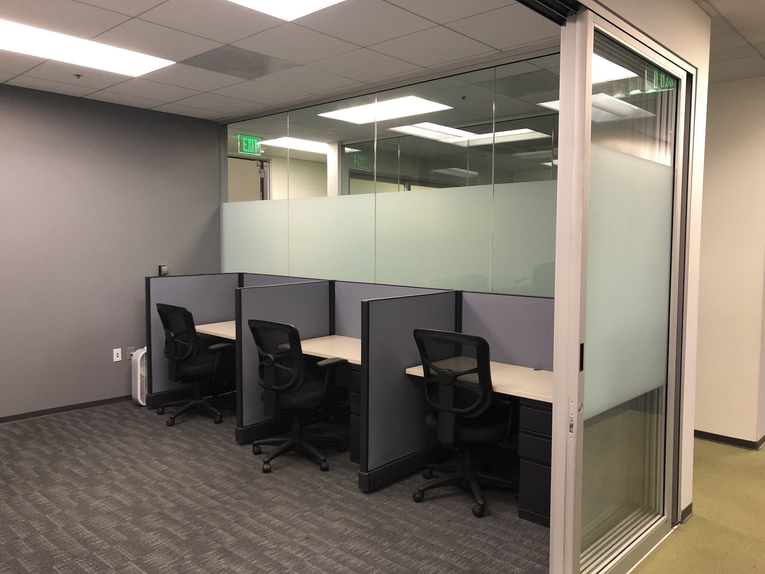 FLEX PLAN - $125/monthWorkdays Per Month: 25 Hours Co-workingAccess: 8am-5pm Monday - FridayWifi: DUH!Mailbox: Additional $15/monthConference Rooms: 20% Discount