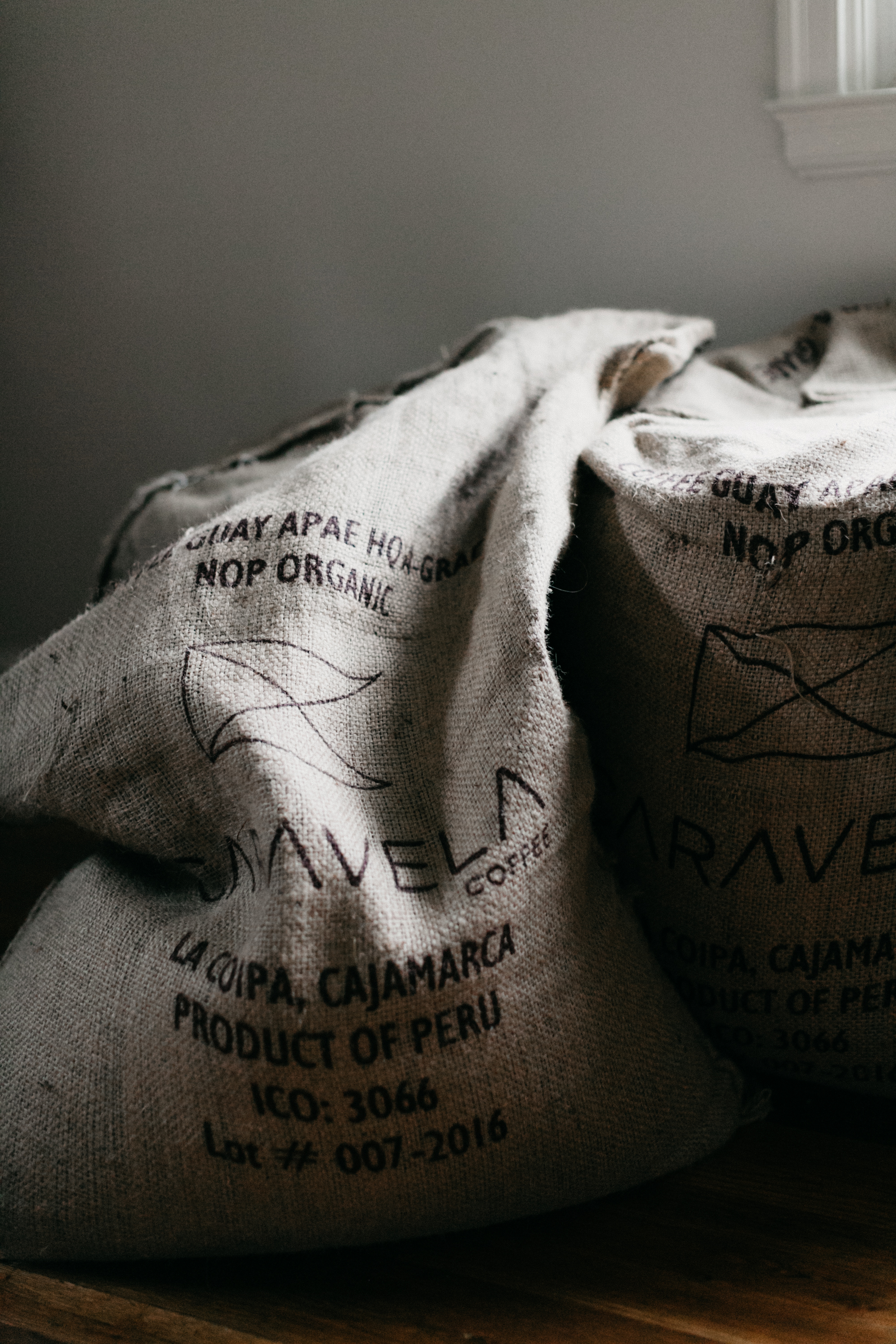 Las Águilas - Origin: Quillabamba Cusco, PeruNotes: nutty, citrus, dark chocolate, caramelVarieties: Typica, Caturra, BourbonProcess: Fully sun-dried, fully washed,Altitude: 1,700-2150 MASLIs a group of 20 farmers in a cooperative in the mountain regions of Cusco. These indigenous farmers have survived for over 38 years despite weather related devastation. The name of the farm refers to the eagles that fly over the chain of mountains.Brewing Methods: Great espresso and for filtered coffee methods. This coffee pairs well with milk and is a fully body coffee that is a crowd favorite.