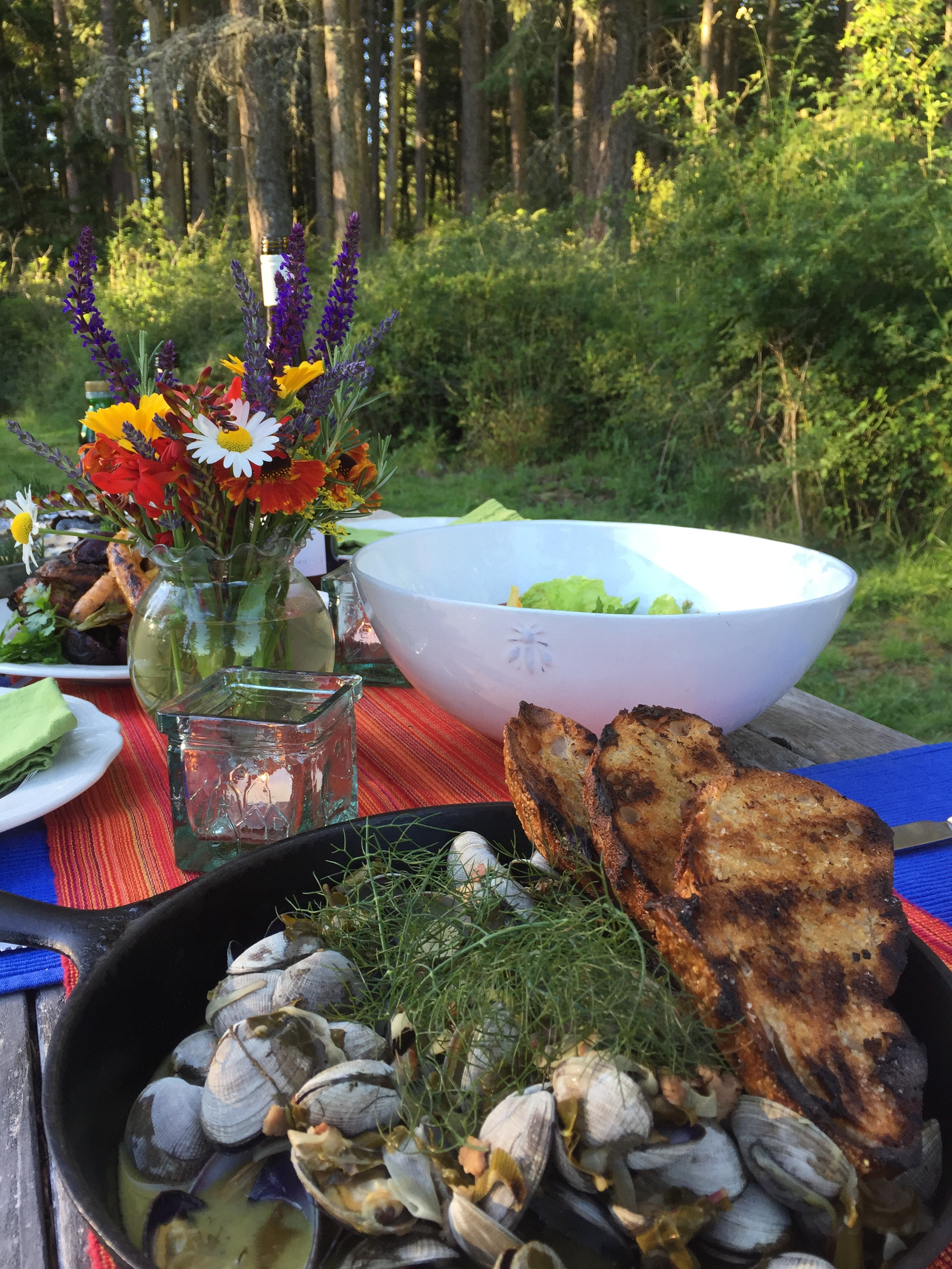 Clams with Fennel and grilled Baguette