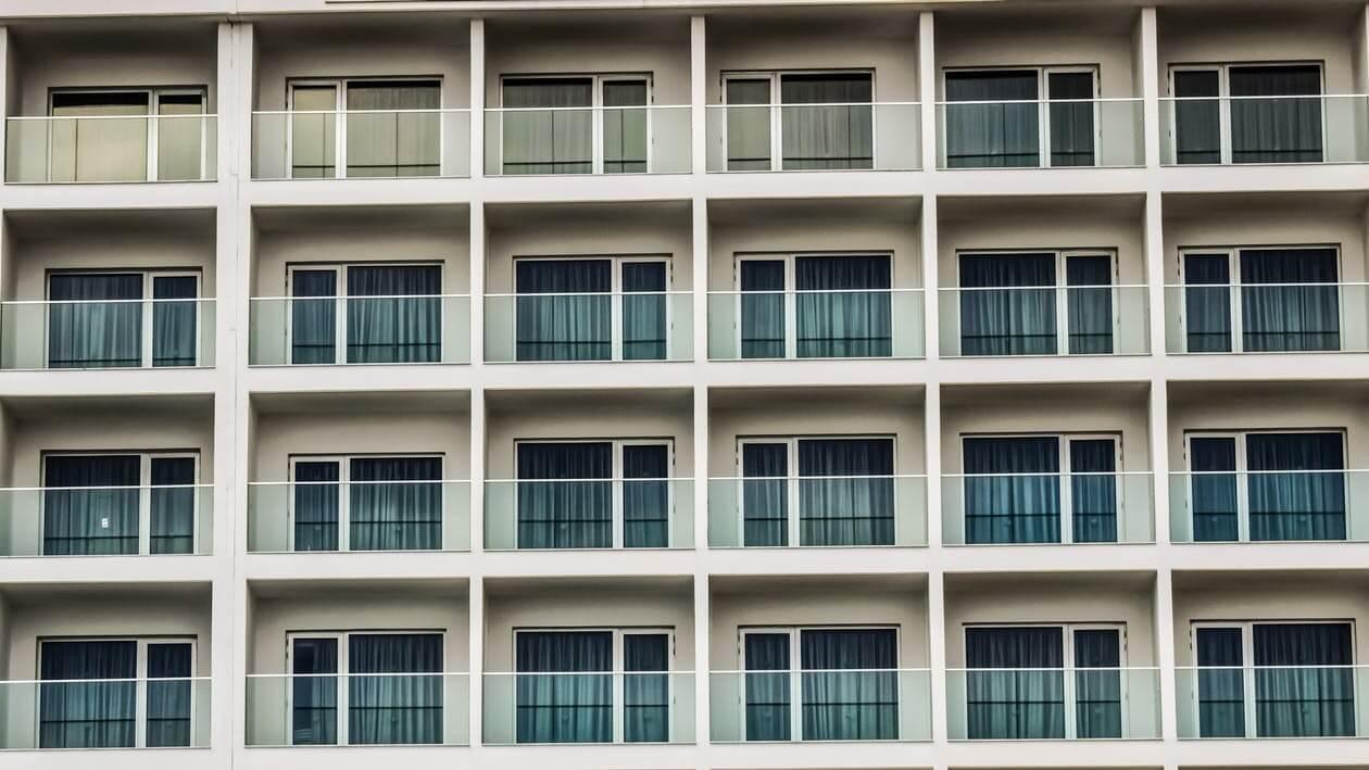 Apartments/Condos -