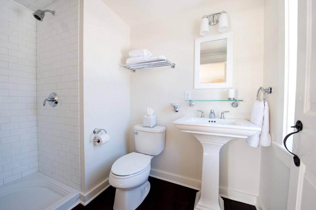 PF-bathroom-1024x681.jpg