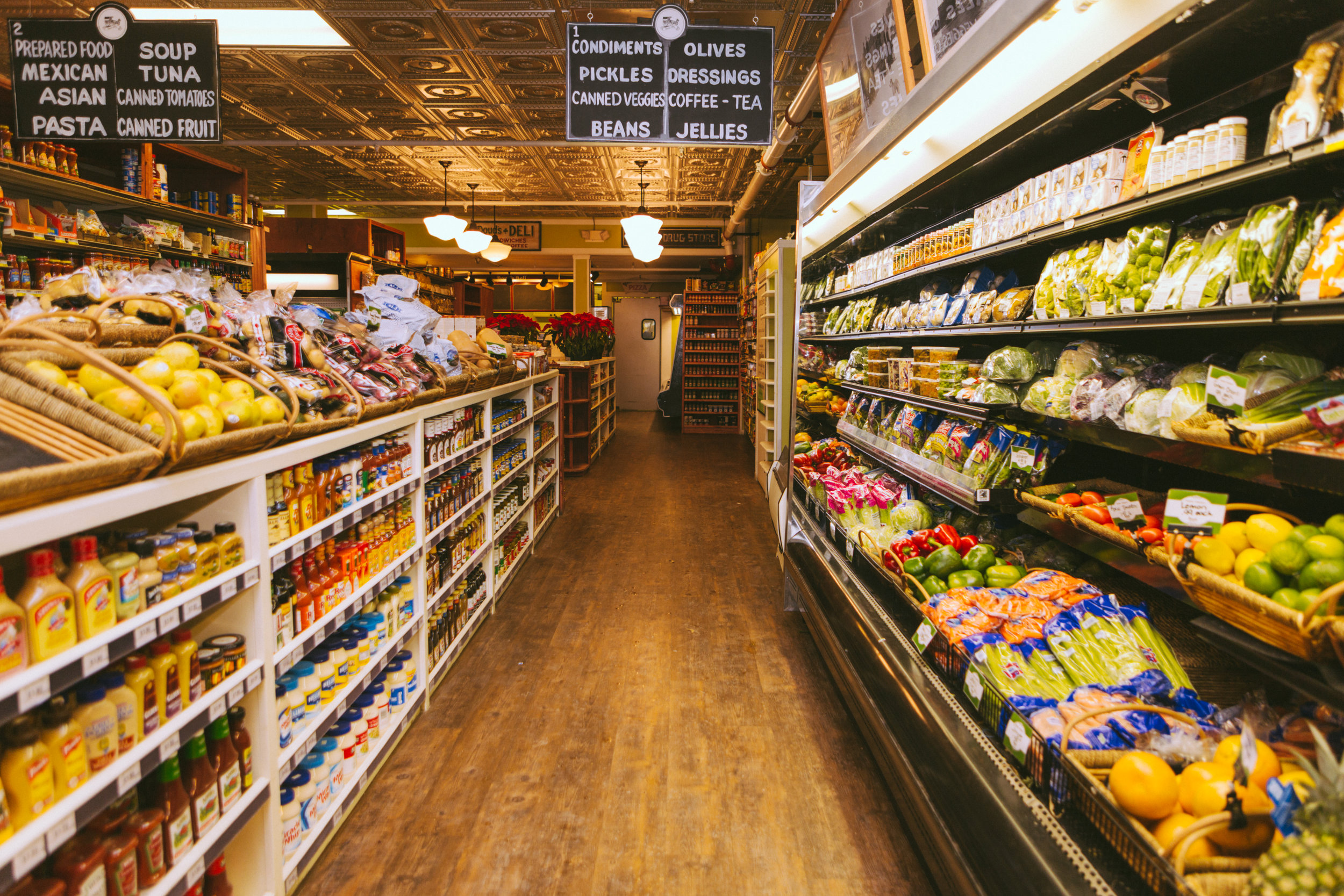 Grocery Store Mackinac Island, MI, Michigan, Food Delivery, Groceries, Small business, family business, family owned, fresh produce, fruit, vegetables,