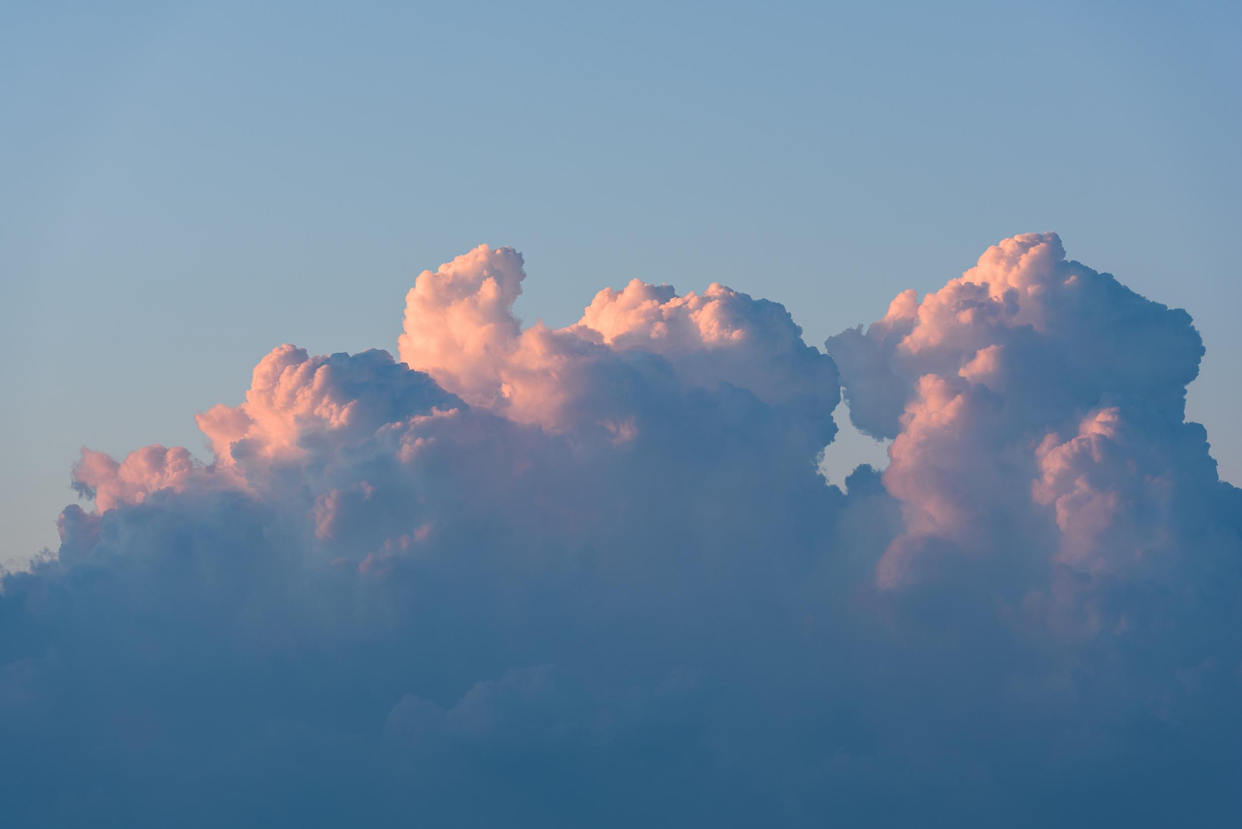 2018-08-11_Web_4891_Sunlight hitting the clouds_.jpg