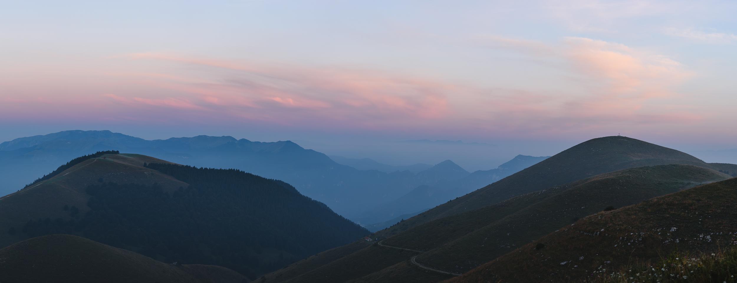 2018-08-11_Web__colourful sunrise panorama_.jpg