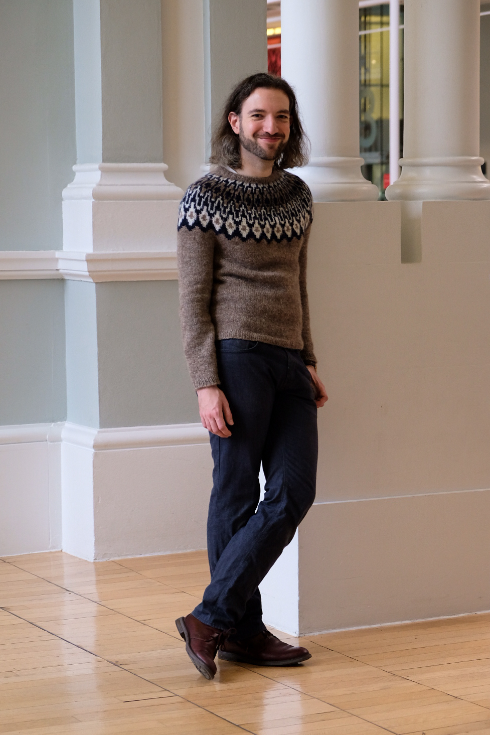 Atlas by Brooklyn Tweed in Oatmeal, Navy and White