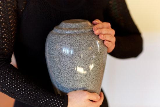 Direct cremation urn.jpg