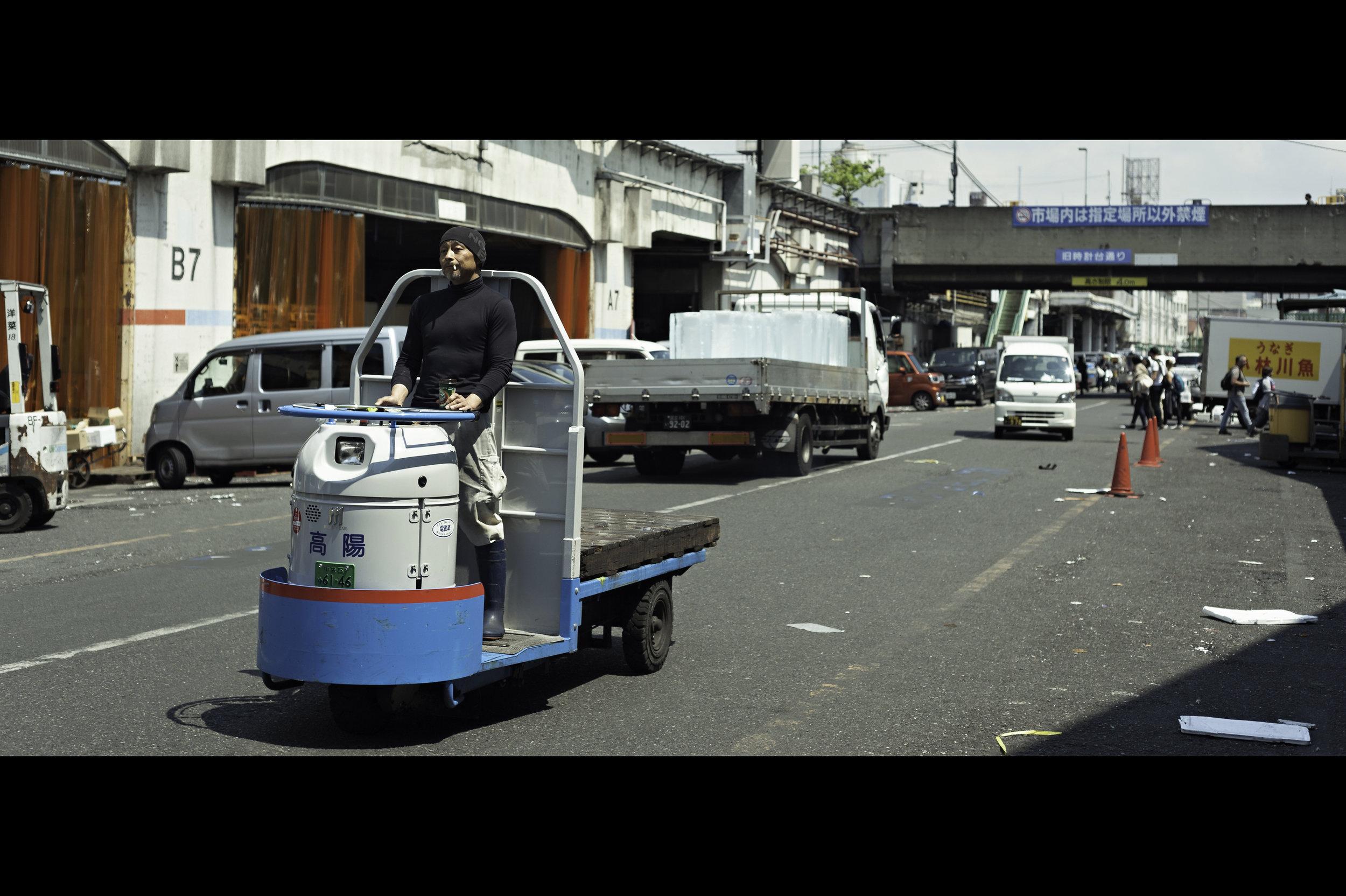 outside-trolley-carts