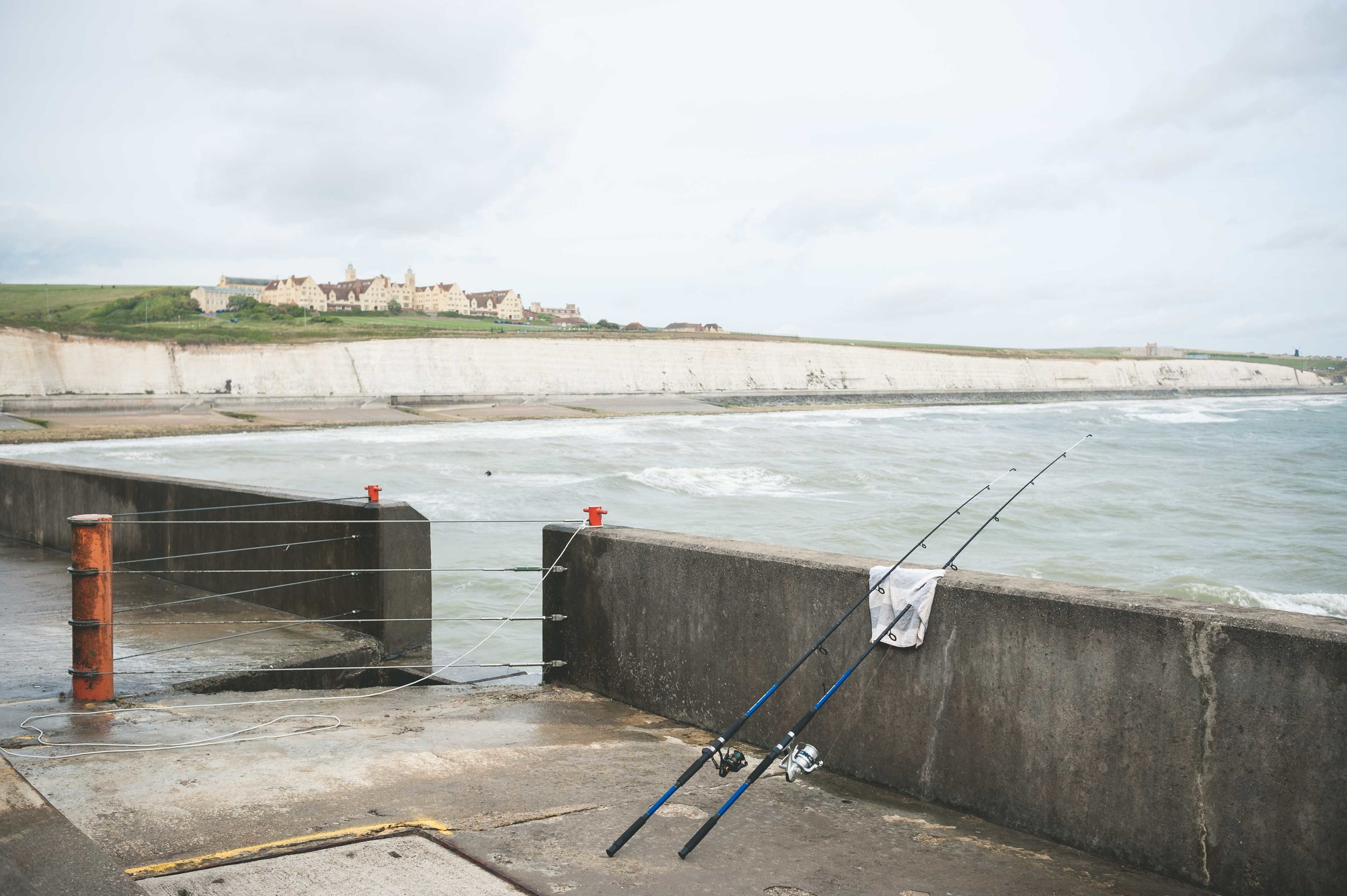 fishing-brighton-marina-wall