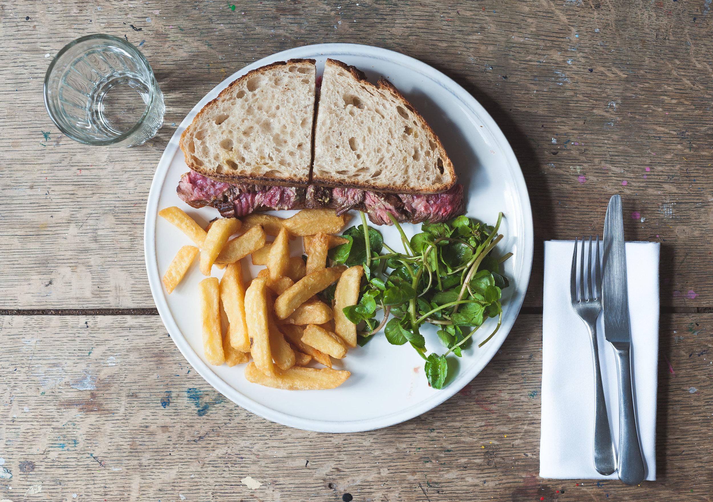 bavette-steak-sandwhich-chips-watercress-bearness-sauce.jpg