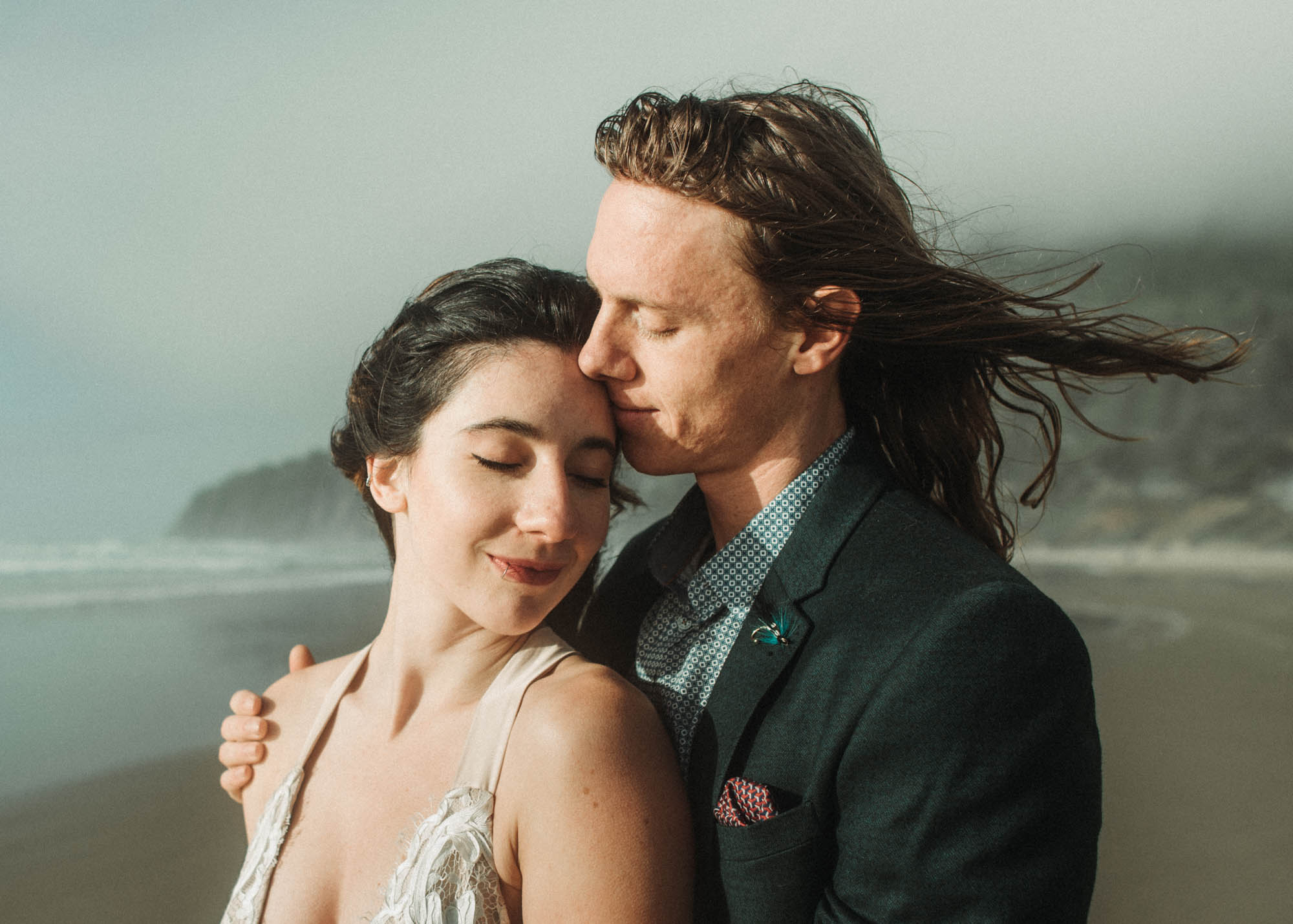 Bride and Groom Portraits on the Oregon Coast