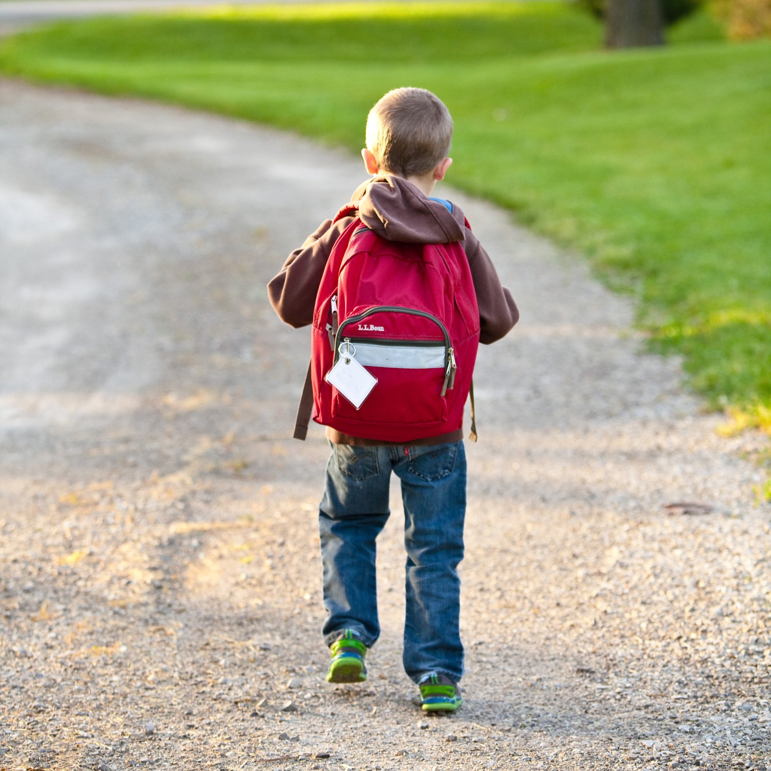 Back+to+School+tips+for+wearing+a+backpack