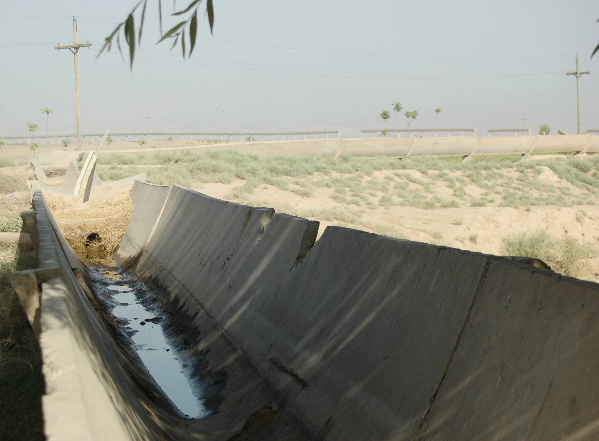 A degrading irrigation canal in southern Tajikistan, where Water User Associations (WUAs), which are composed of groups of farmers, are now responsible for maintaining canals in to support agricultural production. I study how farmers self-organize to govern these types of irrigation infrastructures under new institutions (rules and norms) that are associated with newly established WUAs in Tajikistan.