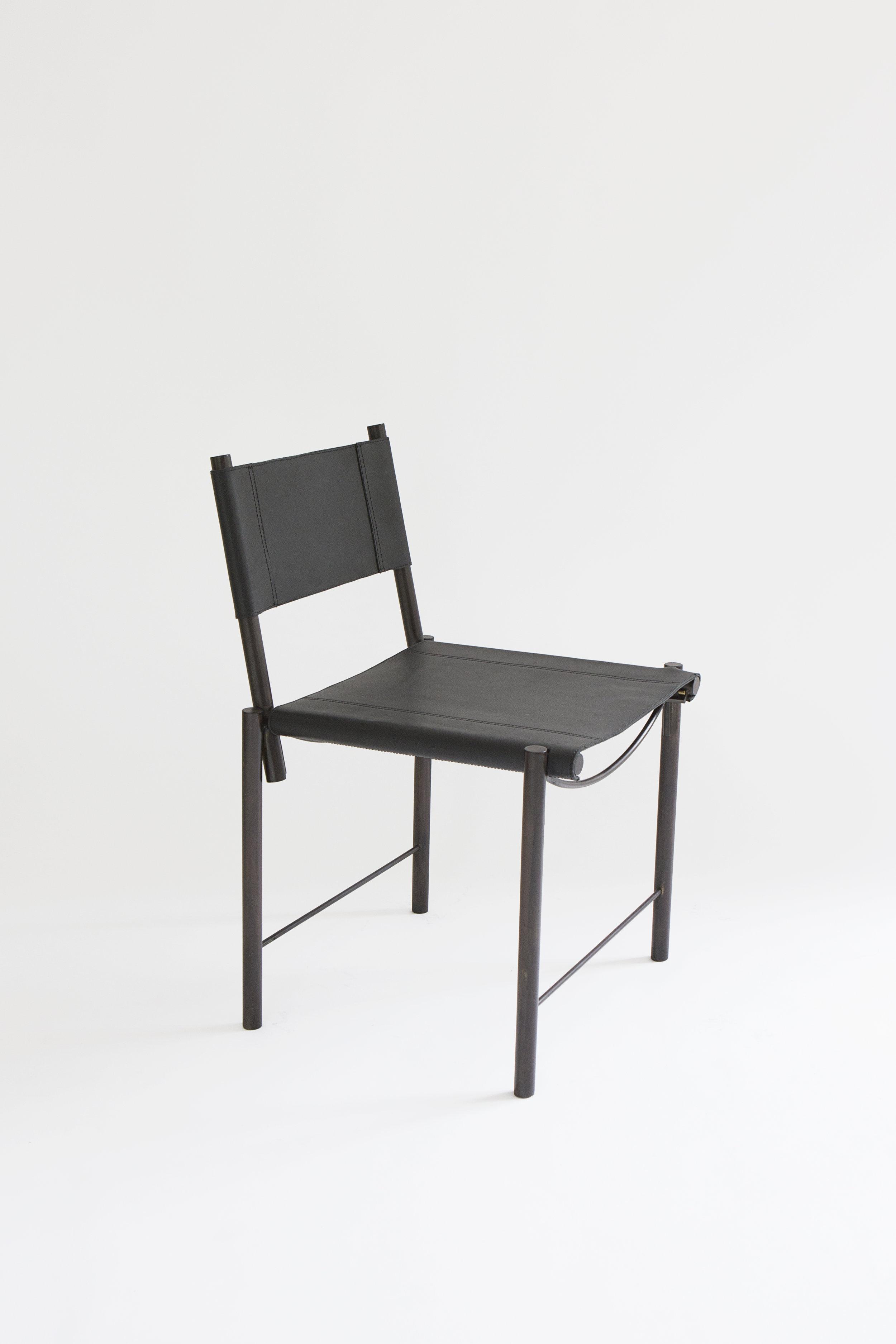 SKStudio_Chair_Black_Black_Ecomm_Side.jpg
