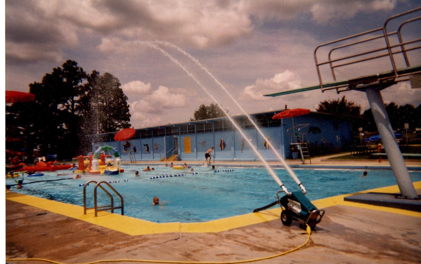 The Watercannon portable pool aerator