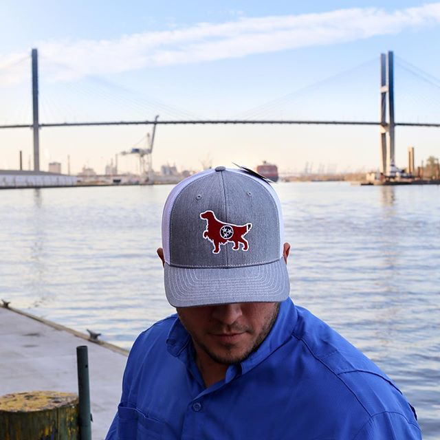 We are rocking our Tennessee hat out on River Street tonight, where will you be? 📸 @hightidepro . . . . . #tennesseeflag #tennessee #setter #riverstreet #savannah #savannahga #visitsavannah #gosavannah #southernsnap #28wbroughtonst #912325503