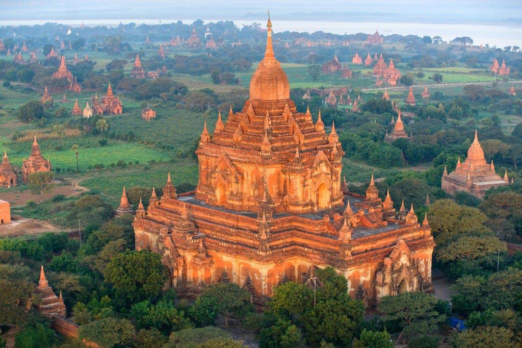 Bagan temples .jpg