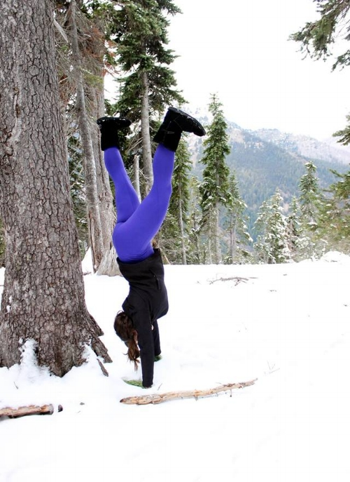 What they don't tell you about handstands in the snow is how freakin' cold it is on your hands