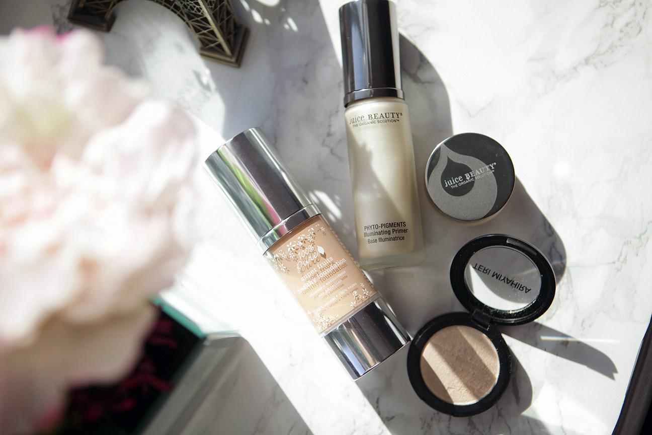 Green Beauty blogger, Eli Pelaez shares her makeup favorites: Juice Beauty, 100% Pure, and Teri Miyahira beauty.