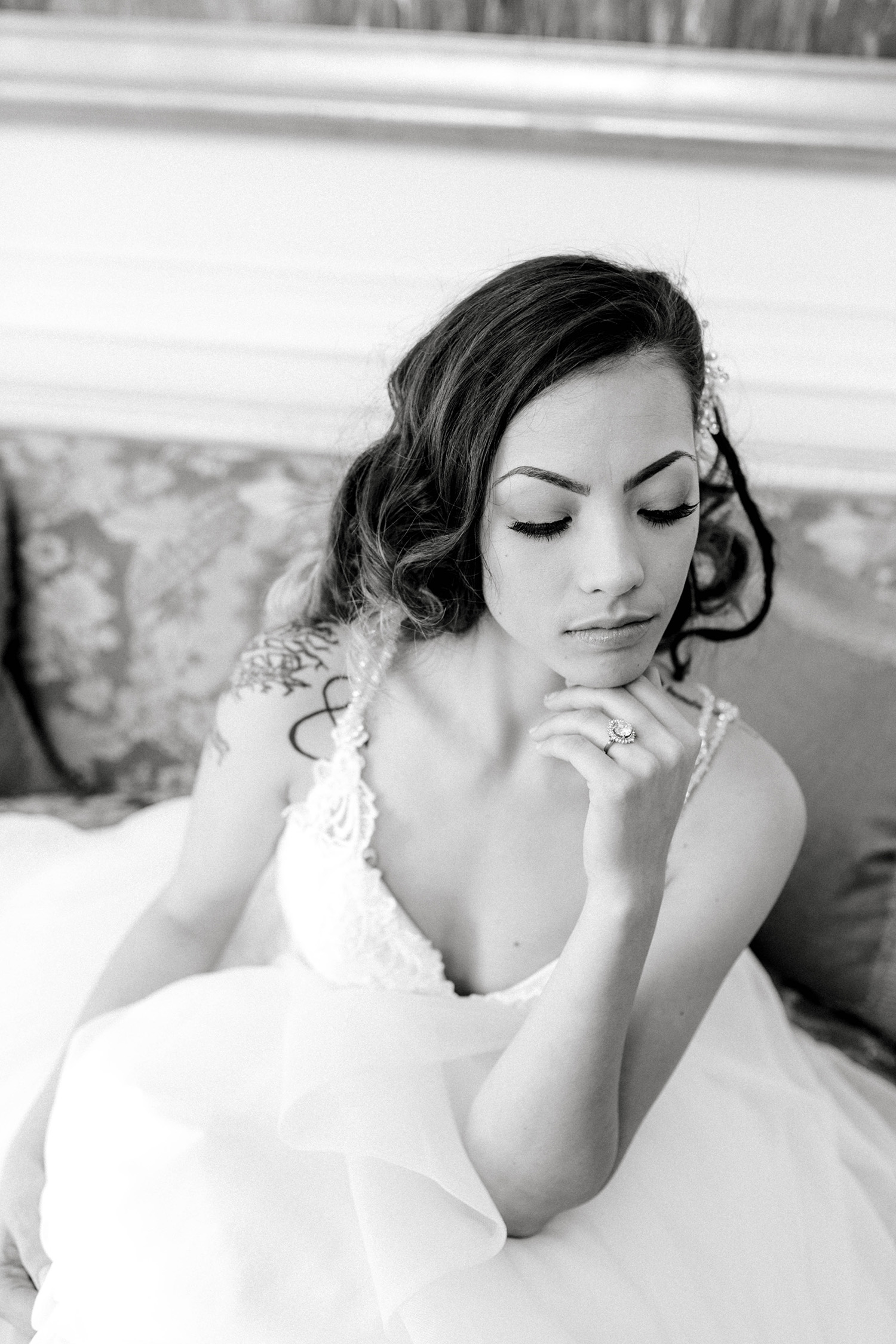 A black and white bridal portrait session at the Duke Mansion.