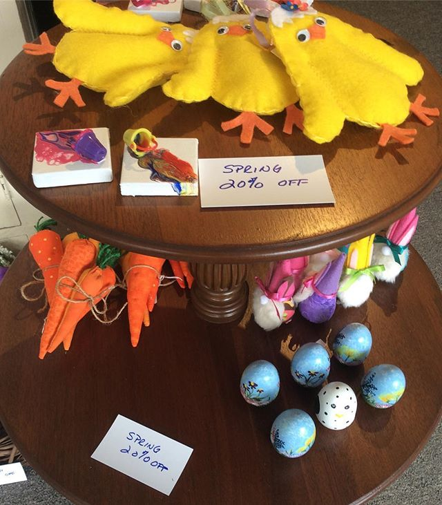 20% off these spring-time pieces!! 🌺🐥🐣 #sale #springtime #westernmass #wmassart #fabricart #fabriccarrots
