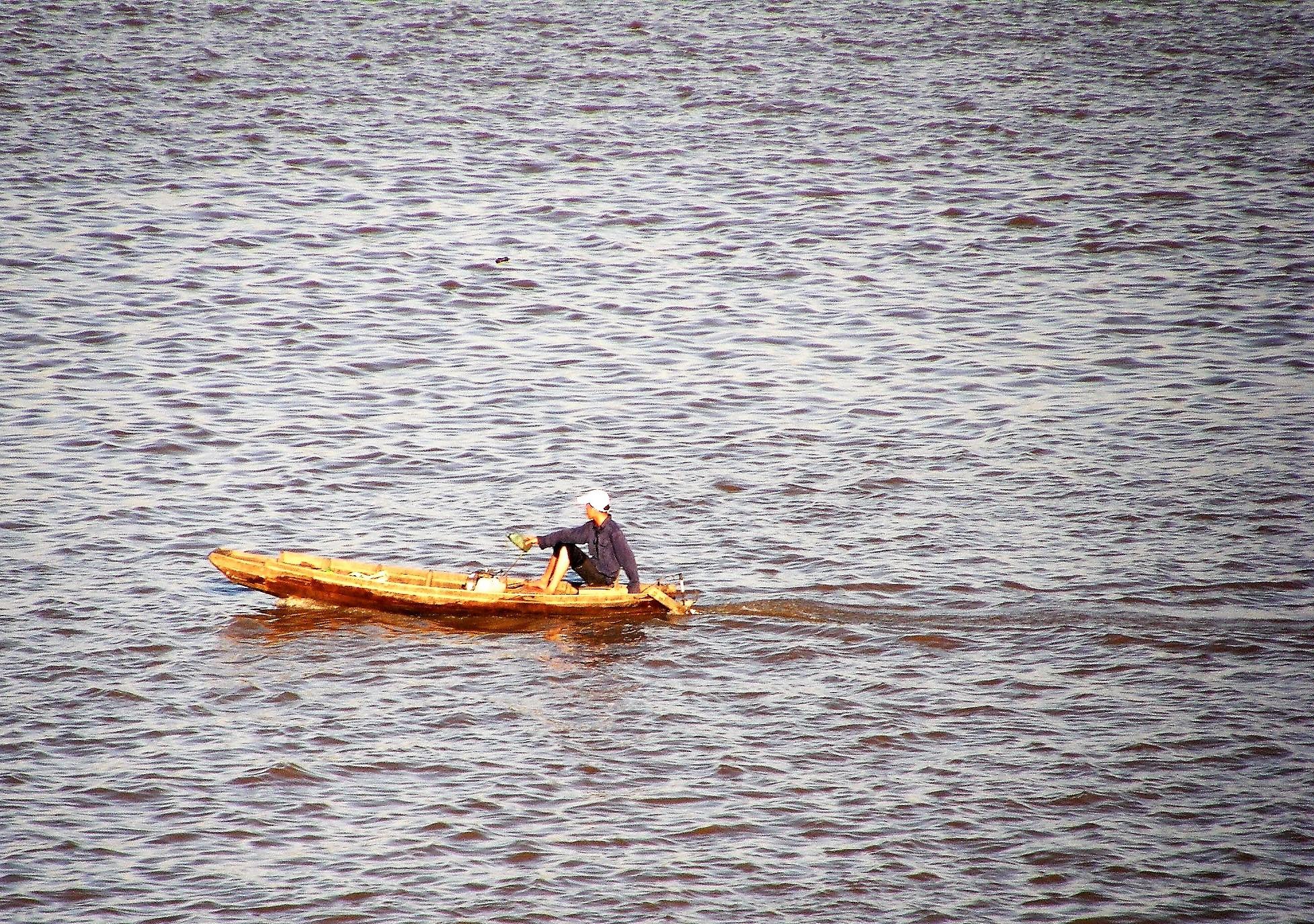 BoatOnRiver.jpg