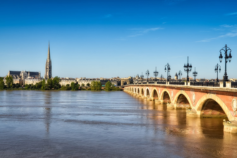 Bordeaux_Bordeaux_ss_117152740_bridge_gallery.jpg