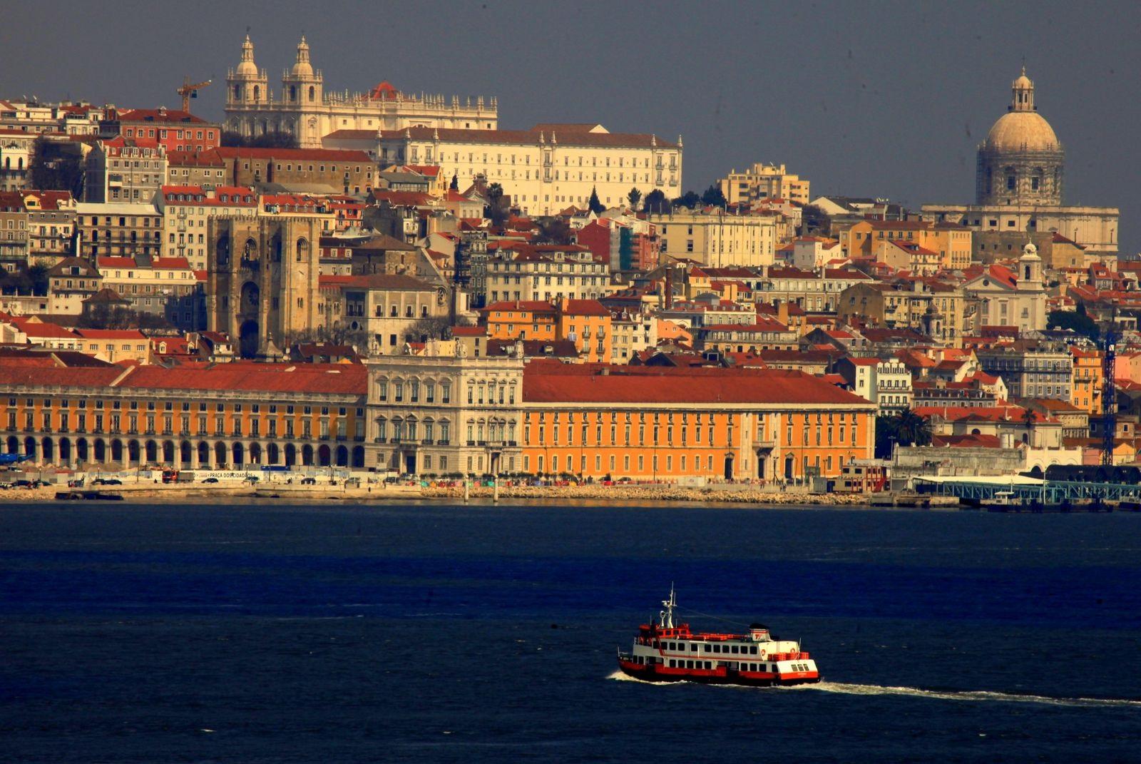 Day_2_-_Lisbon_view[1].jpg