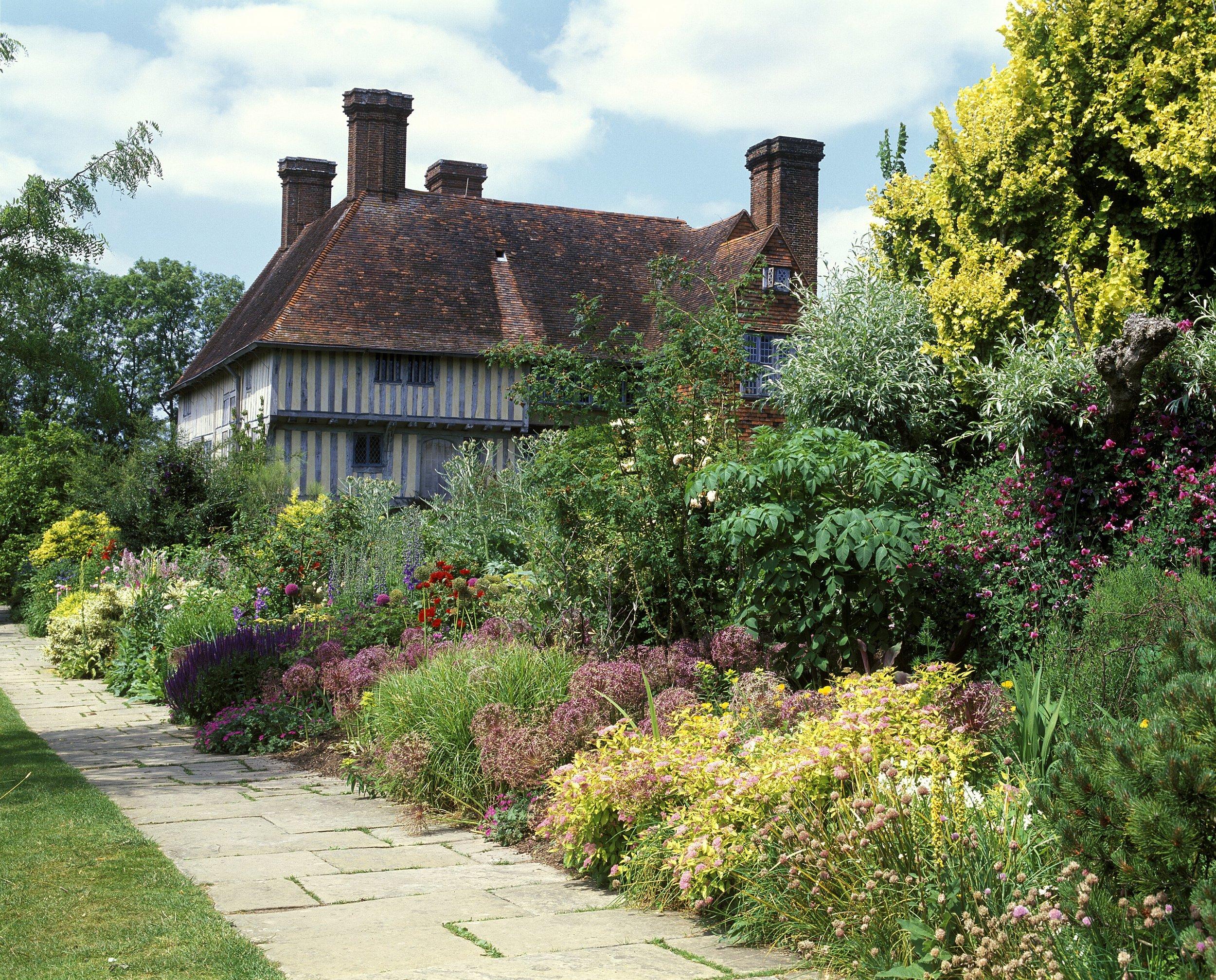 Great-Dixter-gardens.jpg
