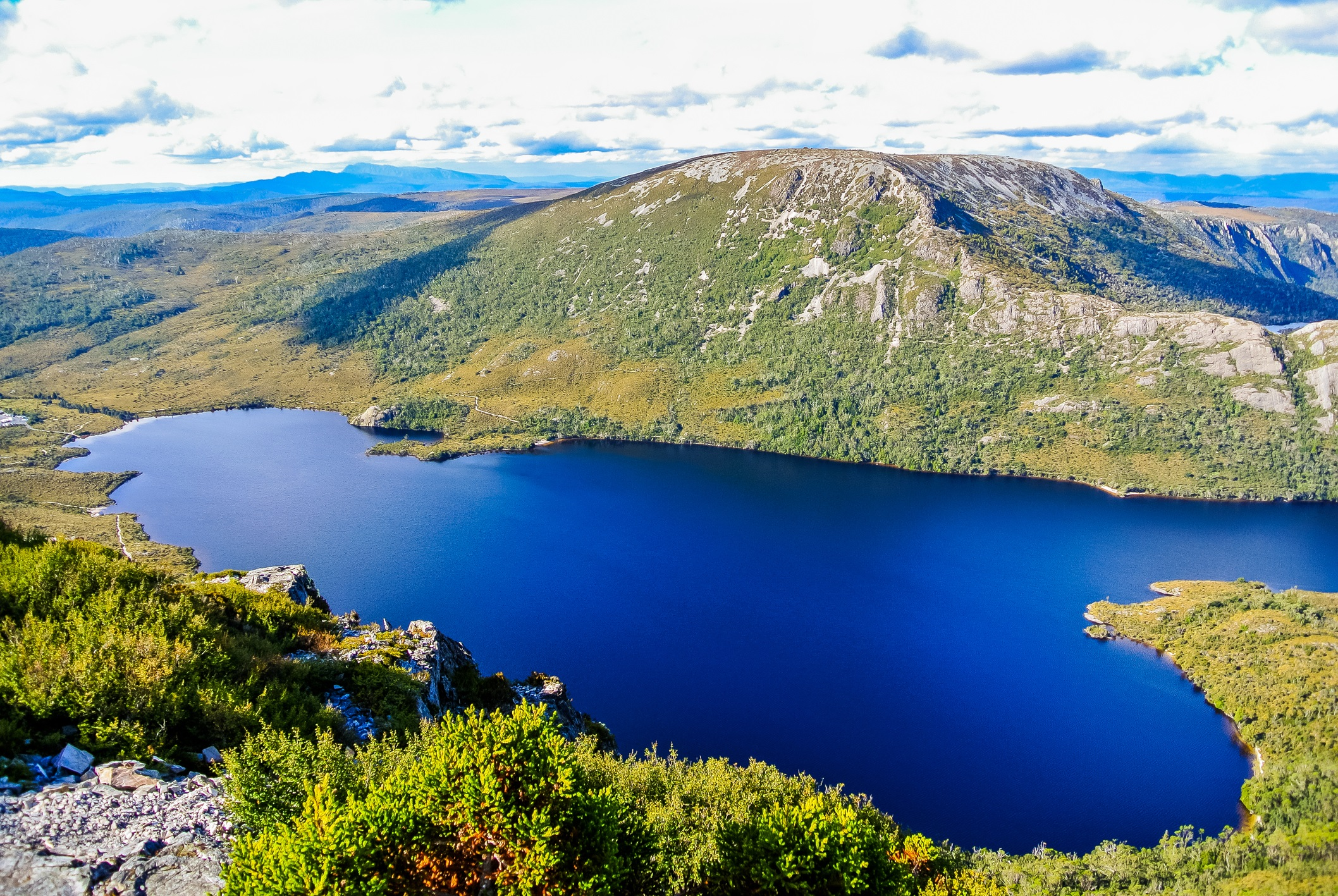 iStock-638328376 Dove Lake Cradle Mountain.jpg