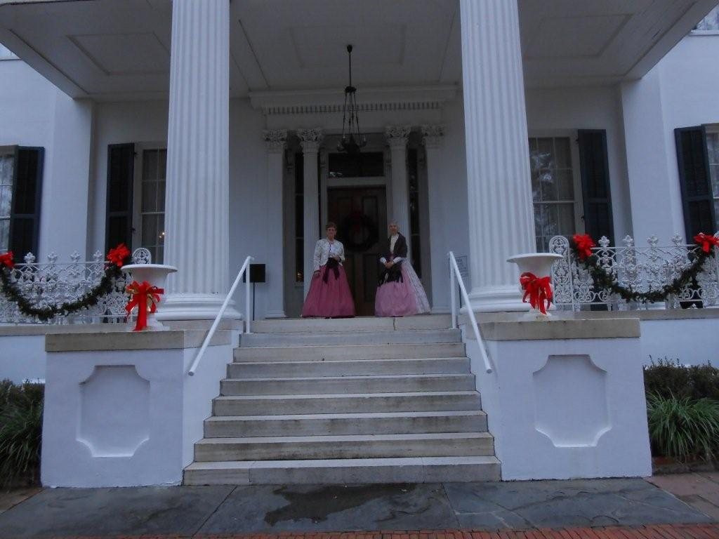 Plantation House in natchez.jpg