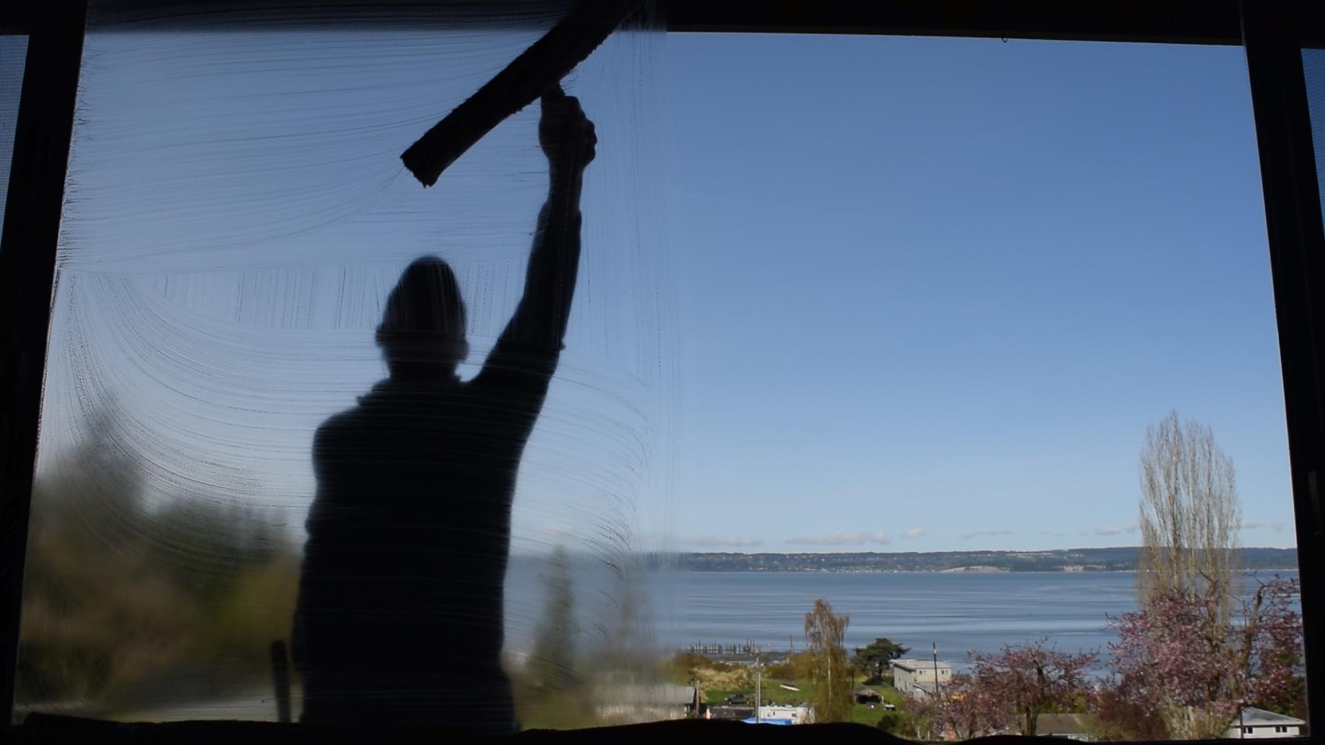 Clean-dirty-window-comparison.jpg