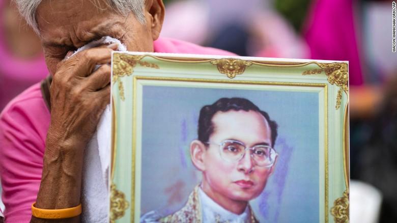 161013104848-01-thailand-king-bhumibol-adulyadej-1013-exlarge-169.jpg