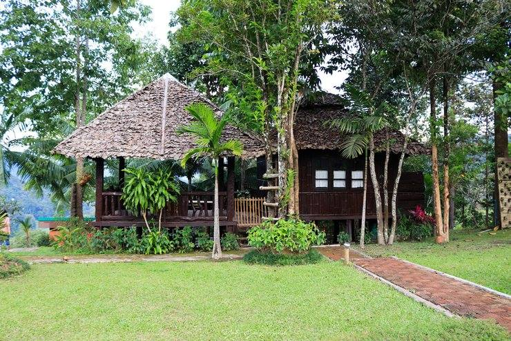 1-4 Guests   • 2 Queen Beds • 2 Bedrooms • Ensuite bathroom • Private Balcony • Breakfast included • Fan • Mosquito net canopy