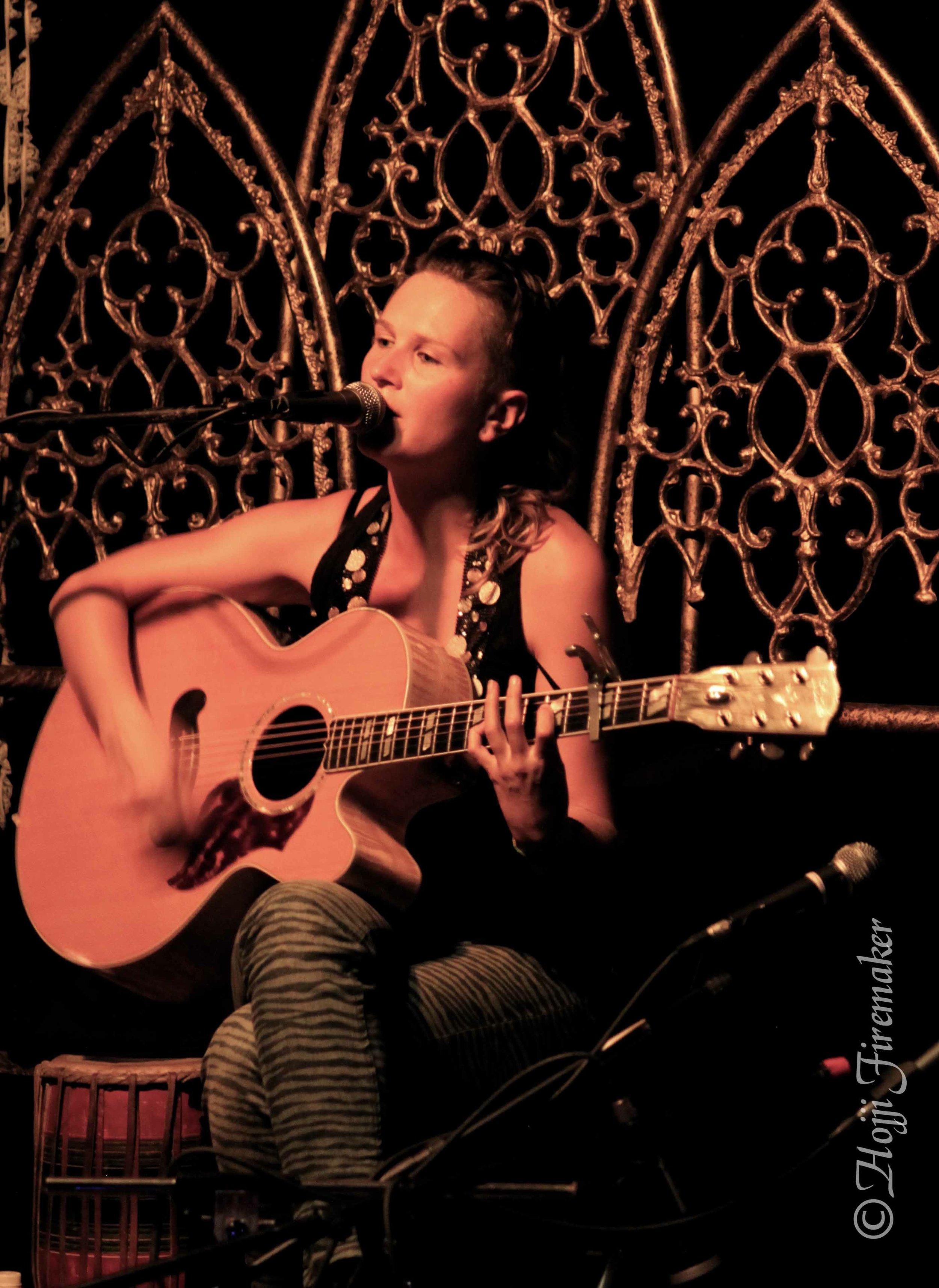 Sasha Rose acoustic live high rez.jpg