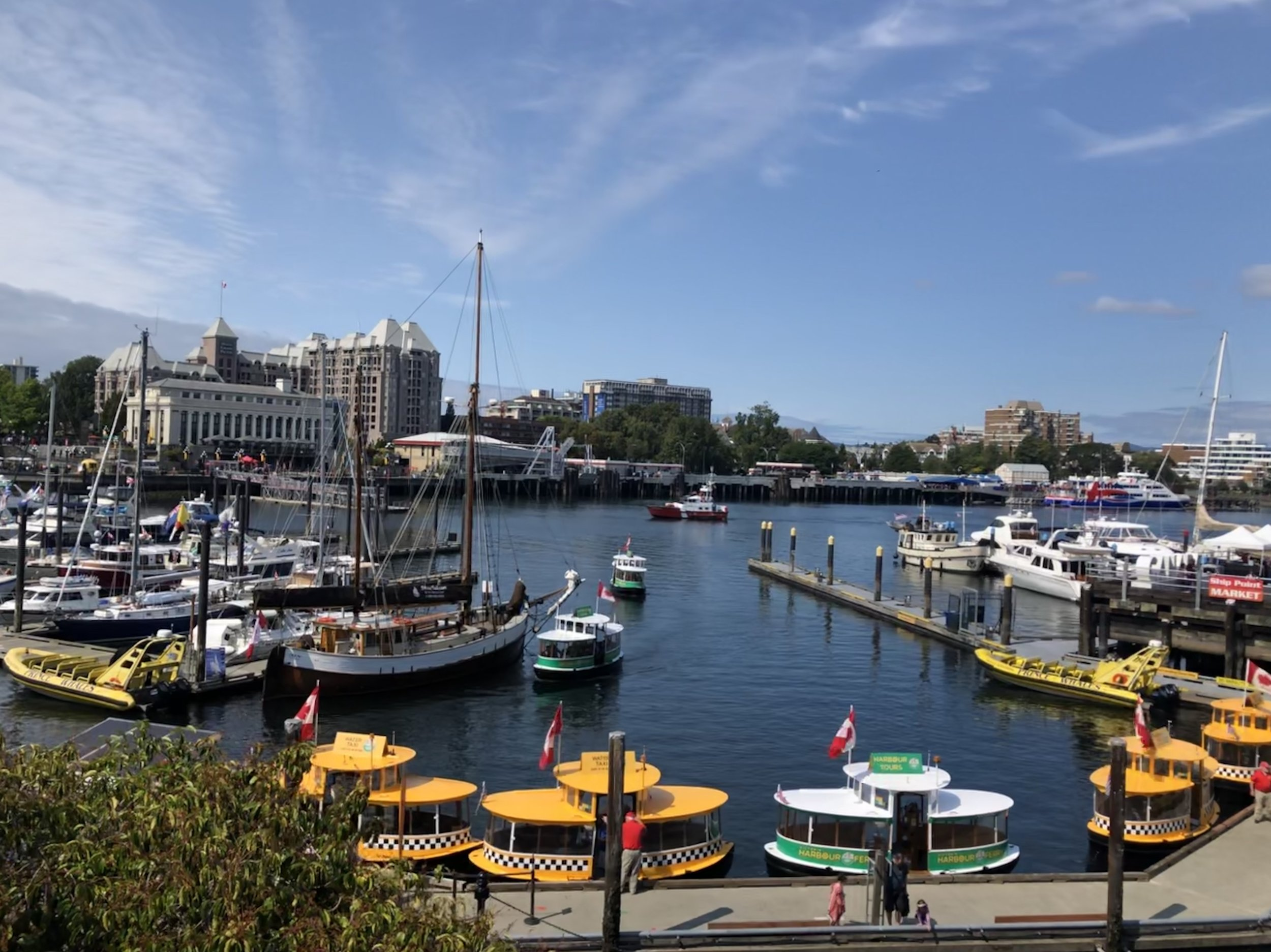 Water Taxis and boats on the Victoria Harbour / Photo by Samantha Goldstein