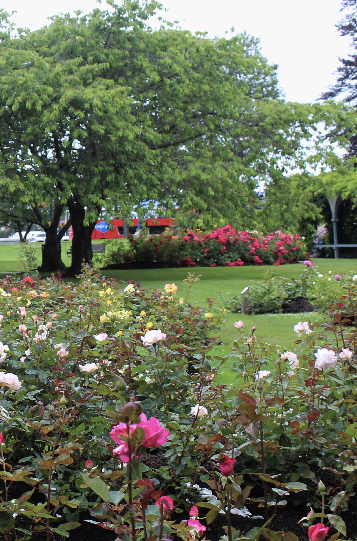 The Fairmont Empress Hotel Garden/Photo: S. Goldstein
