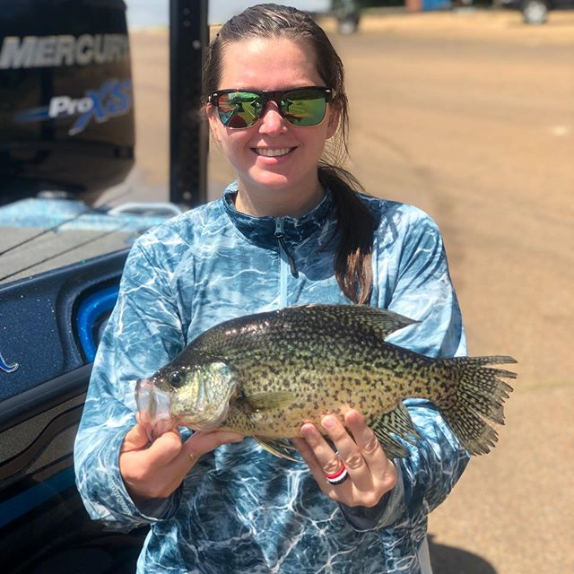 The Crappie are still bitin' for Team Member @lee_mcquillin88 🎣  #sportswomenunited #whatgetsyououtdoors #iamsportsman #mossyoakfishing
