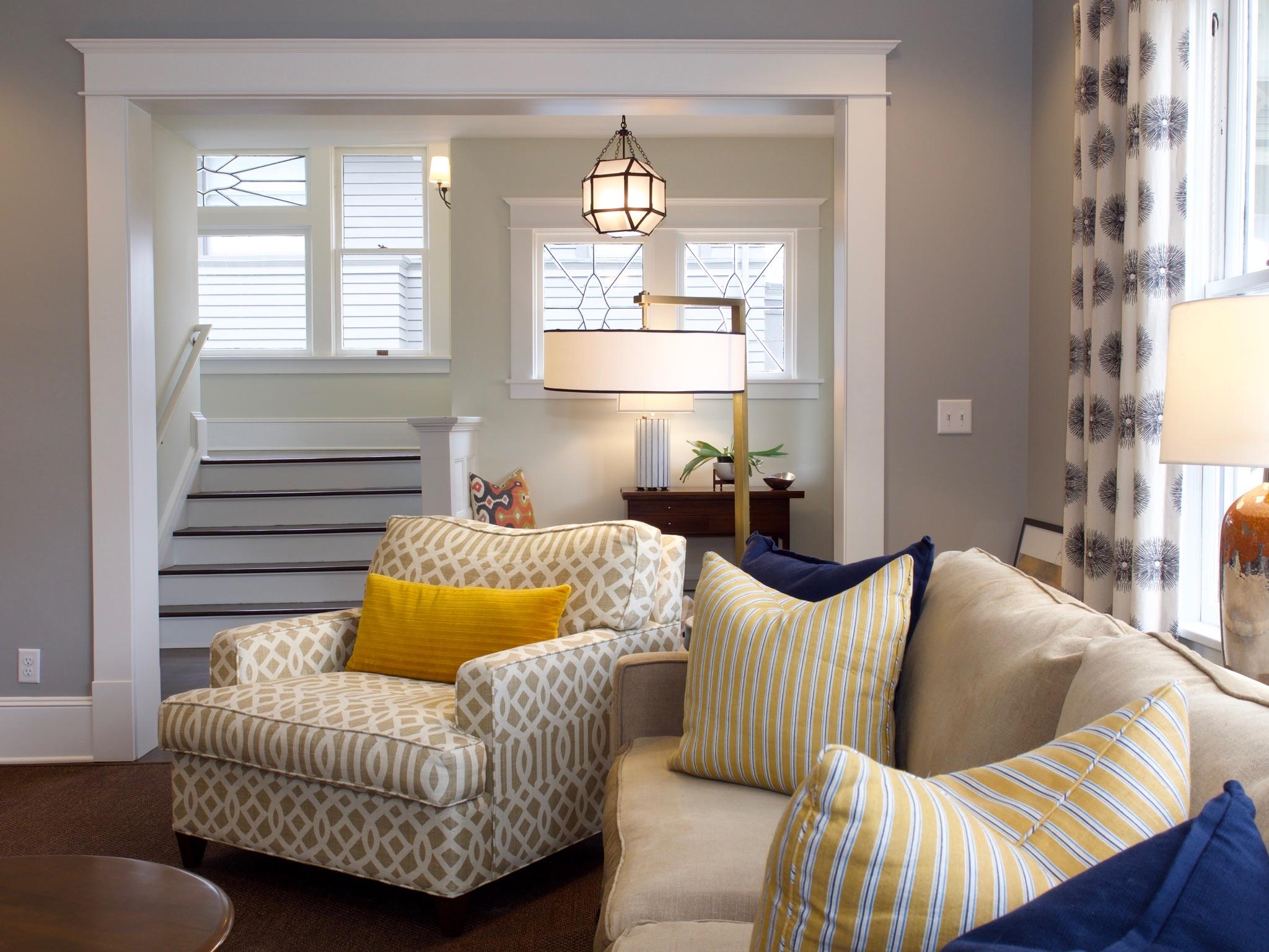 livingroom-entry.jpg