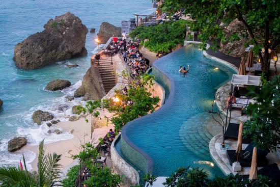rock-bar-at-ayana-resort.jpg